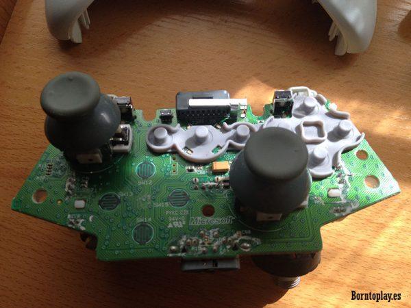 Hay que limpiar muy bien los joysticks